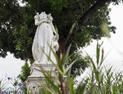 Die kopflose Statue von Fort-de-France