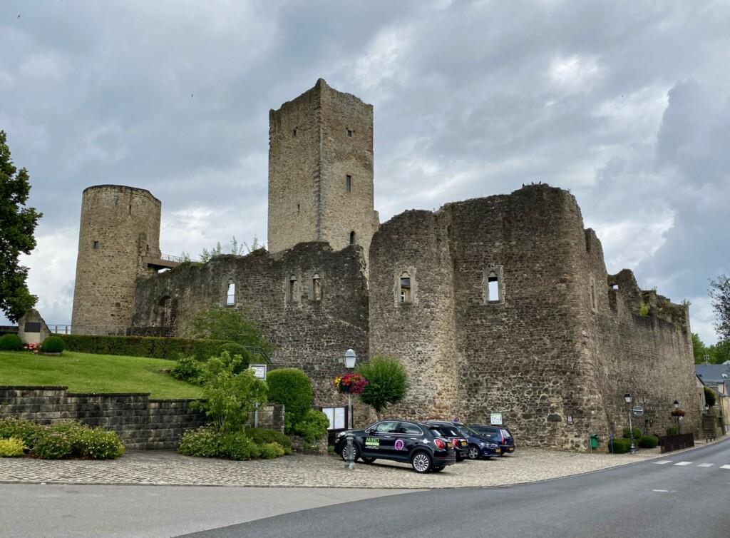 Burg Useldingen Luxemburg